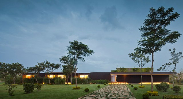villa-houses-with-contemporary-designs (32)