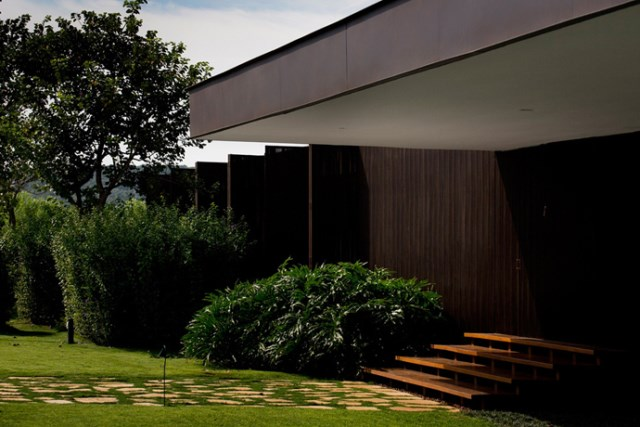 villa-houses-with-contemporary-designs (4)