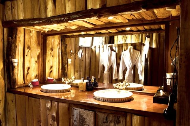 wooden rustic tiny hous (1)