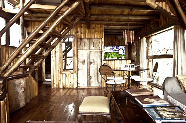 wooden rustic tiny hous (6)