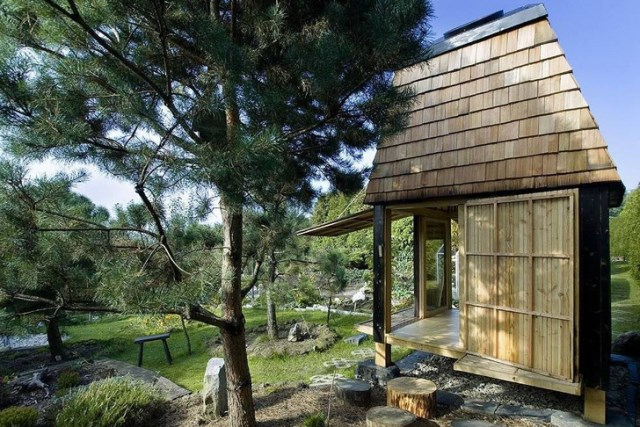 wooden tiny Small house (1)