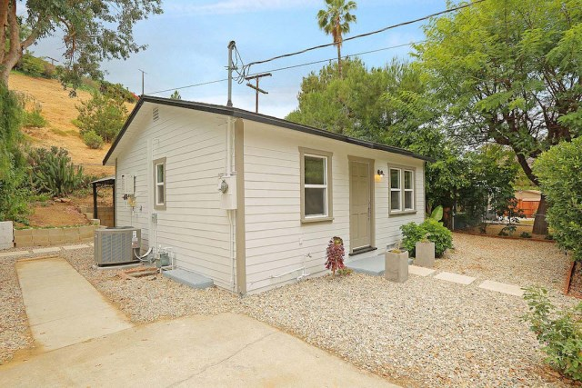 1327-el-paso-los-angeles-small-house-13