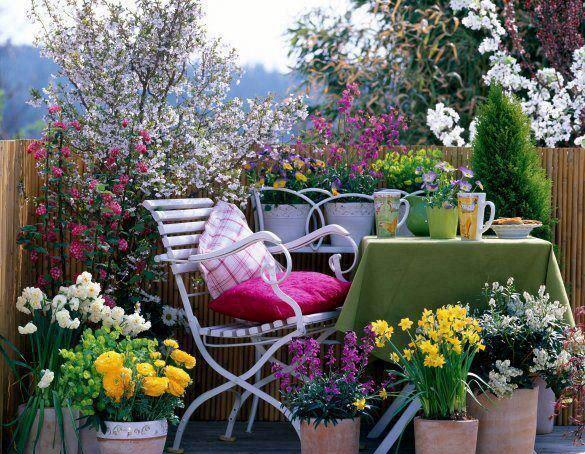 14-balconies-decorated-with-flowers (5)