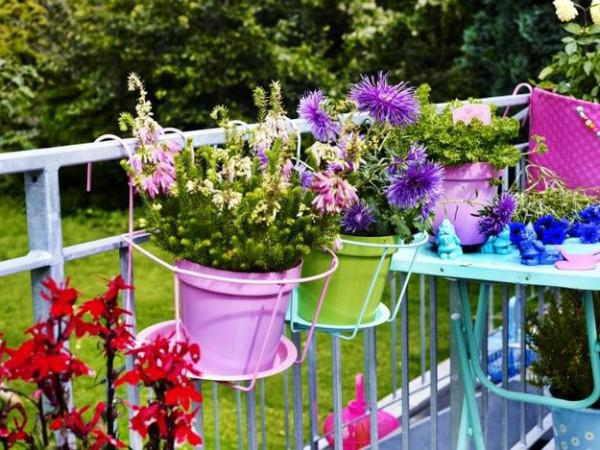 15-flower-pot-designs-of-balcony (11)