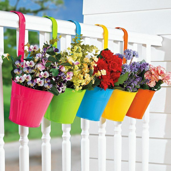 15-flower-pot-designs-of-balcony (5)