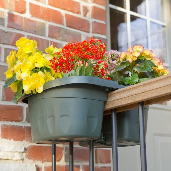 15-flower-pot-designs-of-balcony (7)