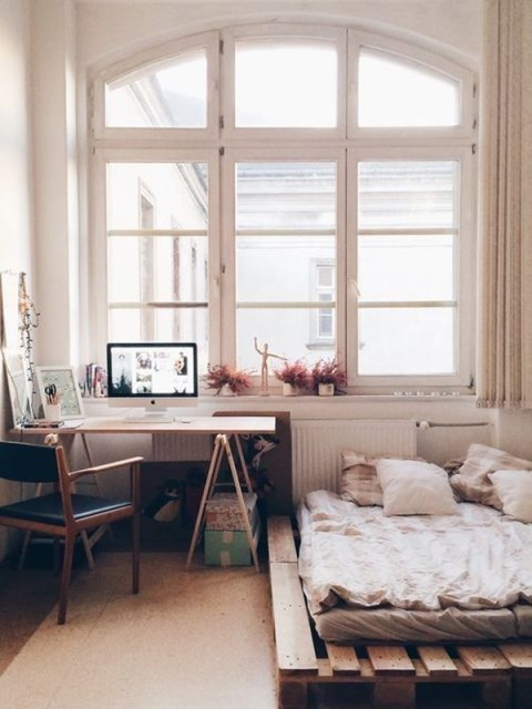 15-simple-diy-bed-frames-with-pallet-boards (15)