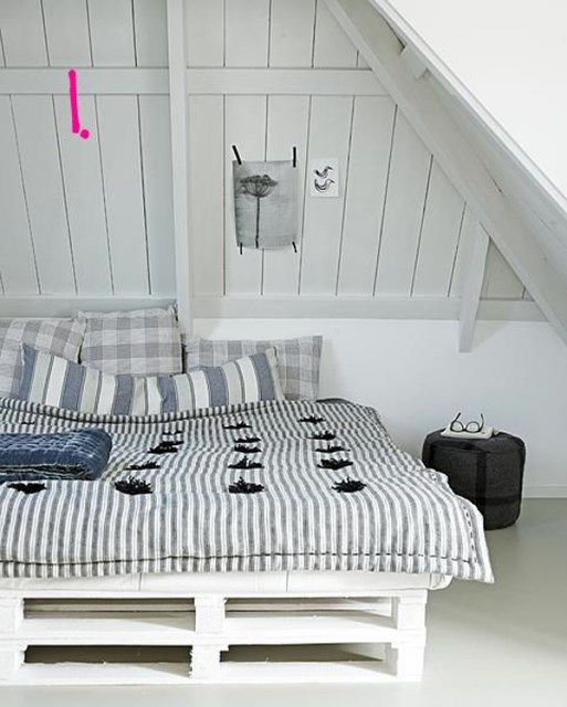 15-simple-diy-bed-frames-with-pallet-boards (5)