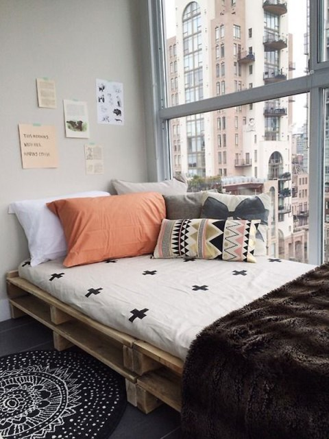 15-simple-diy-bed-frames-with-pallet-boards (9)