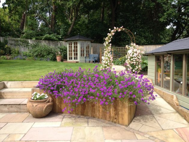 16-attractive-garden-designs-in-country-style (16)