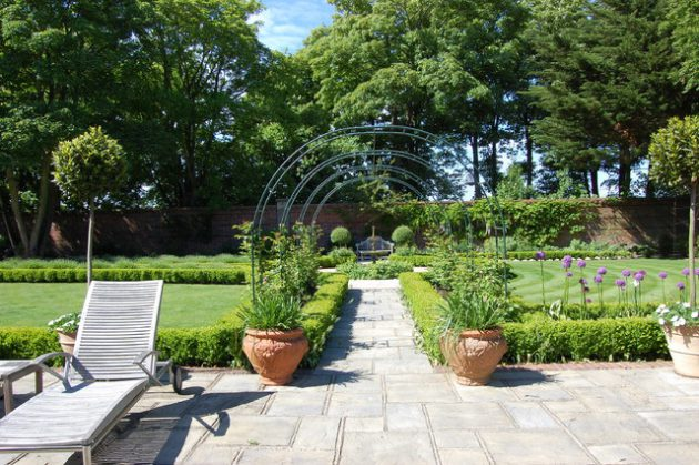 16-attractive-garden-designs-in-country-style (6)