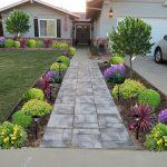 17 ไอเดียจัดสวนหน้าบ้าน พร้อมทางเดินเท้าเข้าสู่ตัวบ้าน โดดเด่น ร่มรื่น เสริมความงาม  แก่ตัวบ้าน
