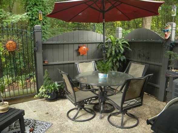 17-ideas-decorate-your-small-patio-properly (16)