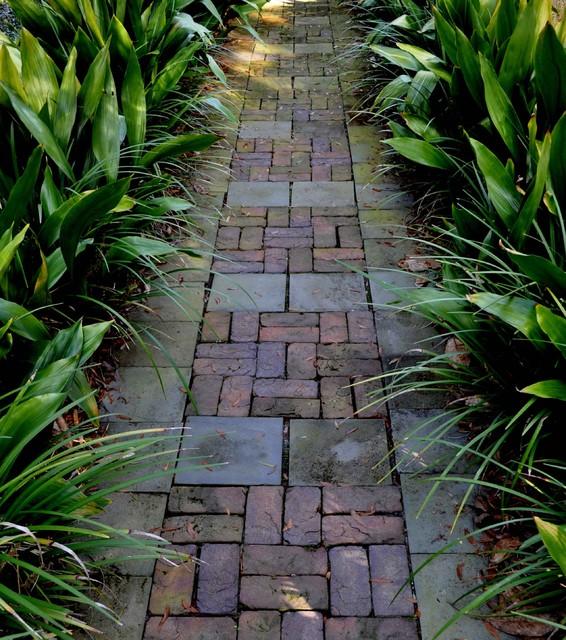 18-creative-garden-path-ideas (1)