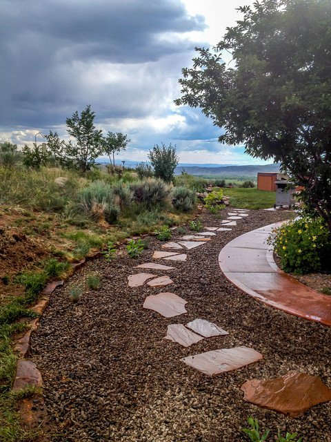18-creative-garden-path-ideas (11)