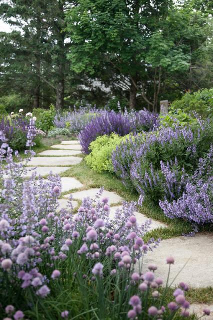 18-creative-garden-path-ideas (19)