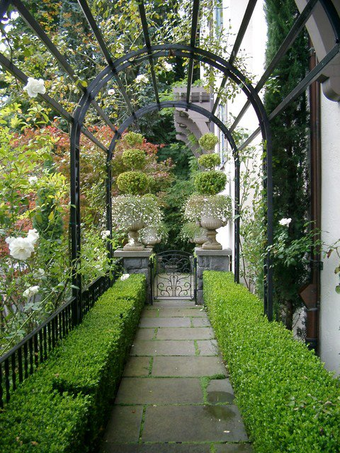 18-creative-garden-path-ideas (5)