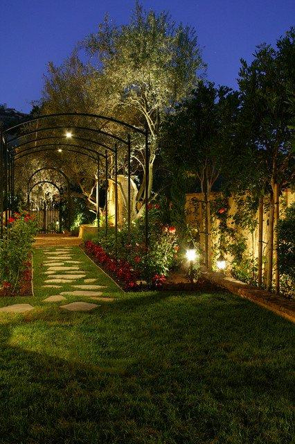 18-creative-garden-path-ideas (7)