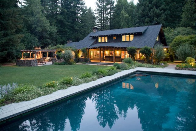 18-landscaping-around-the-swimming-pool (12)