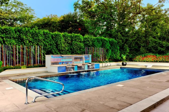 18-landscaping-around-the-swimming-pool (18)