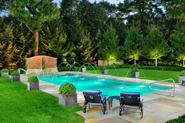 18-landscaping-around-the-swimming-pool (4)