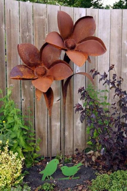 19-diy-rusted-metal-beautify-yard (17)