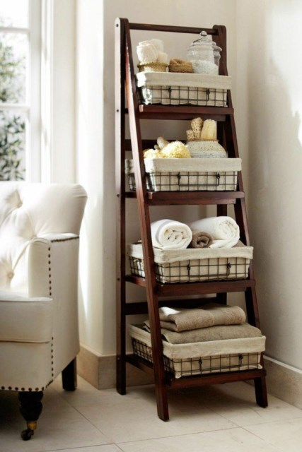 19-ideas-to-use-baskets-as-extra-storage-insmall-spaces (11)