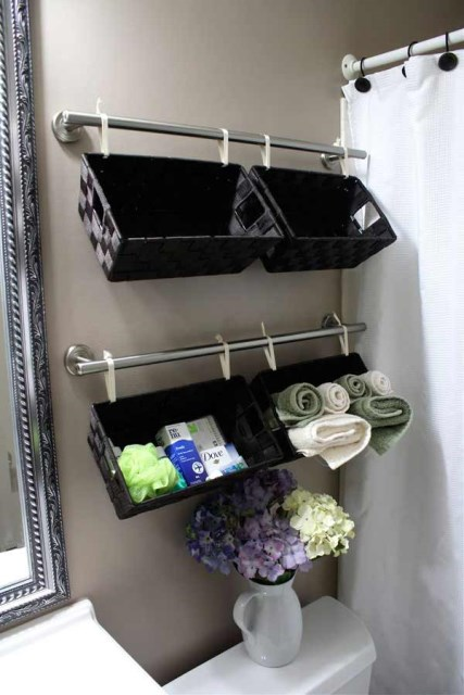 19-ideas-to-use-baskets-as-extra-storage-insmall-spaces (18)