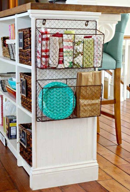 19-ideas-to-use-baskets-as-extra-storage-insmall-spaces (19)