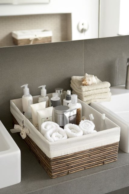 19-ideas-to-use-baskets-as-extra-storage-insmall-spaces (5)