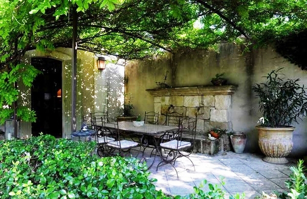 20-beautiful-and-natural-grape-arbor-ideas (10)