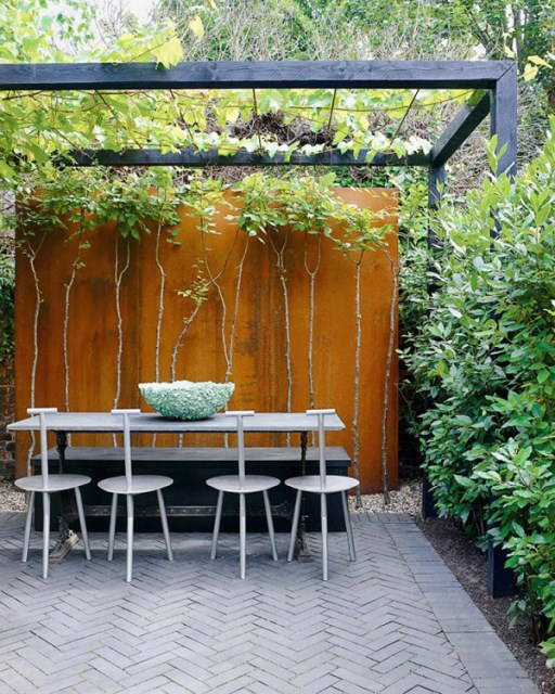 20-beautiful-private-outdoor-spaces-to-relaxing-ambiance (1)