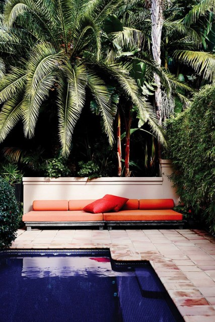 20-beautiful-private-outdoor-spaces-to-relaxing-ambiance (13)