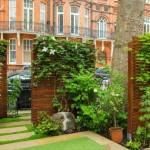 20 สวนหย่อม ไอเดียที่สร้างทางเข้าบ้านให้โดดเด่น ในสไตล์ร่วมสมัย ร่มรื่นไปกับพรรณไม้ที่รายล้อม