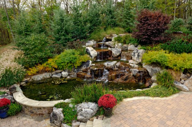 20-waterfall-designs-to-backyard (11)