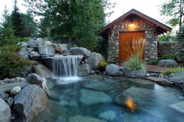 20-waterfall-designs-to-backyard (16)