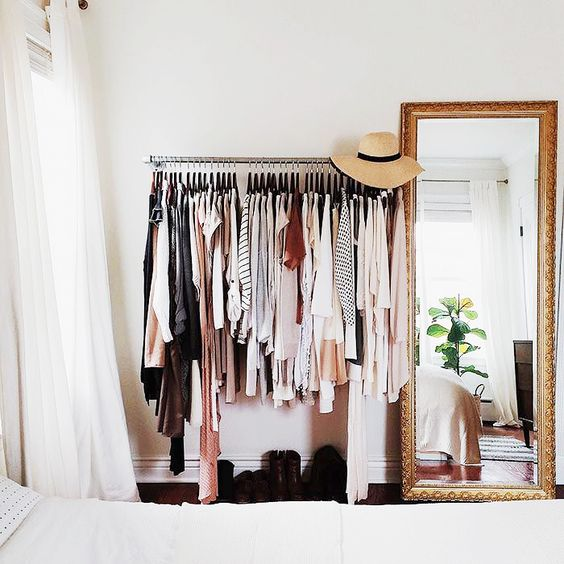 21-closet-designs-for-small-spaces (18)