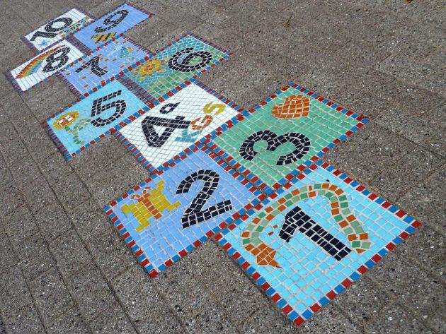 21-magnificent-diy-mosaic-garden-decorations (13)