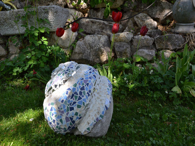 21-magnificent-diy-mosaic-garden-decorations (21)