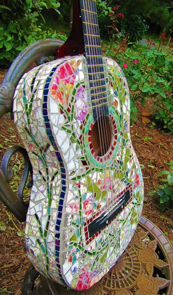 21-magnificent-diy-mosaic-garden-decorations (7)