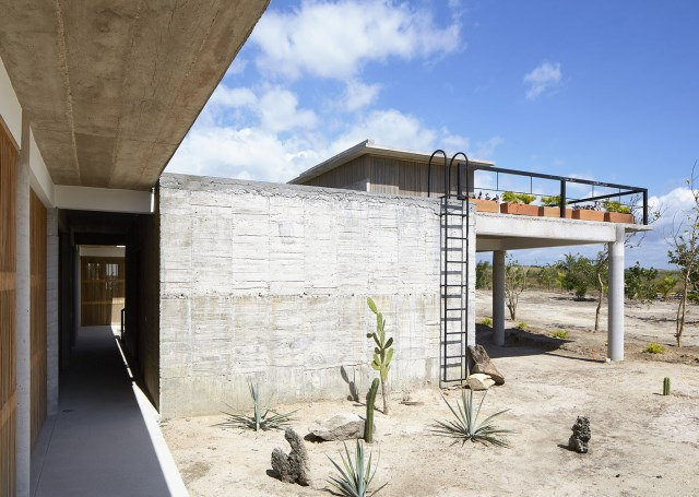 Modern cement houses relaxation resort style (1)