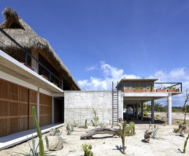 Modern cement houses relaxation resort style (15)