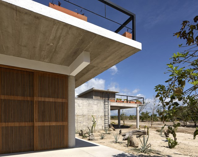 Modern cement houses relaxation resort style (19)