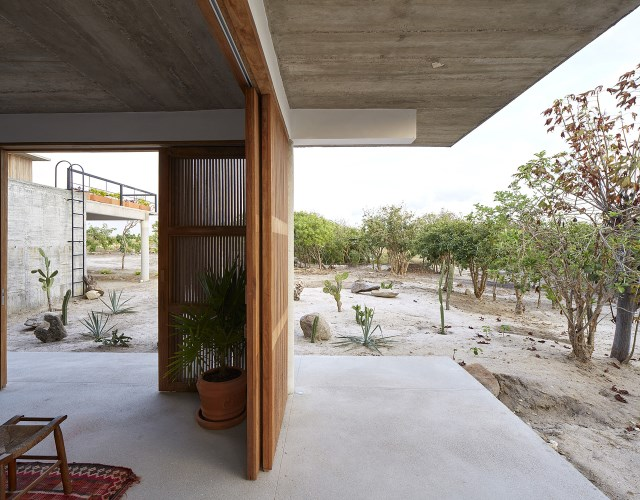 Modern cement houses relaxation resort style (7)