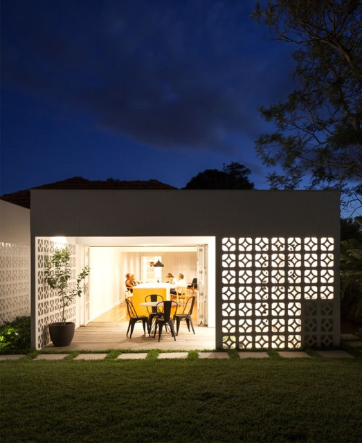 Modern contemporary home Decorated with minimalist concrete blocks (12)