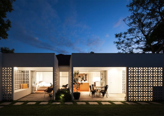 Modern contemporary home Decorated with minimalist concrete blocks (14)