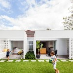 บ้านโมเดิร์นร่วมสมัย ออกแบบรูปทรงกล่อง ตกแต่งด้วยบล็อกคอนกรีต แบบมินิมอล