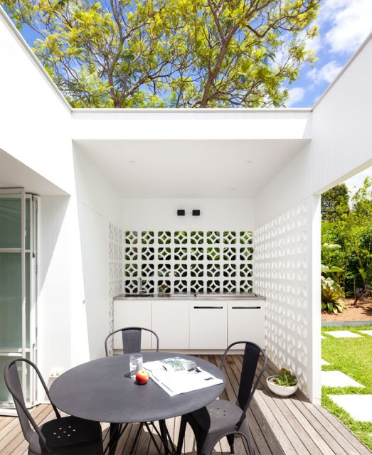 Modern contemporary home Decorated with minimalist concrete blocks (2)