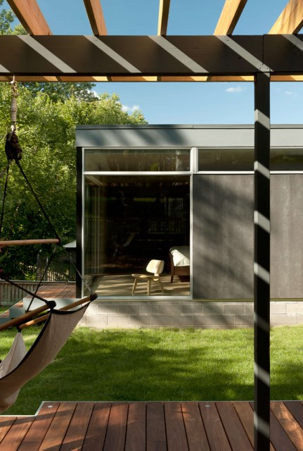 Modern house airy Designed wood and glass (15)