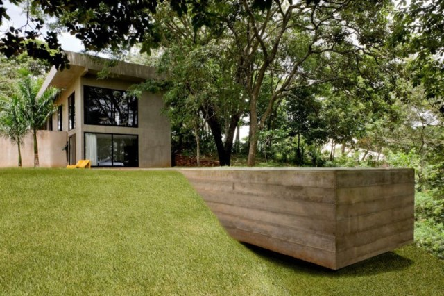 Modern house two-story  Designed with cement With garden (9)